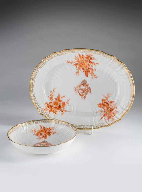 """Large round dish and a large meat plate """"Neuosier"""" - photo 1"""