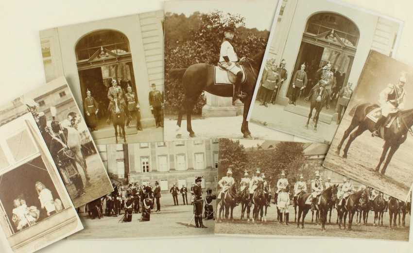 Collection of 14 press photographs - photo 1