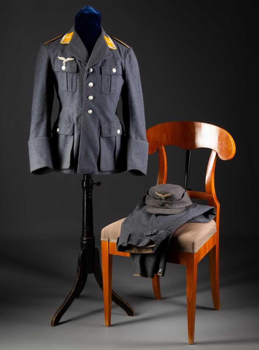 Uniform - photo 1