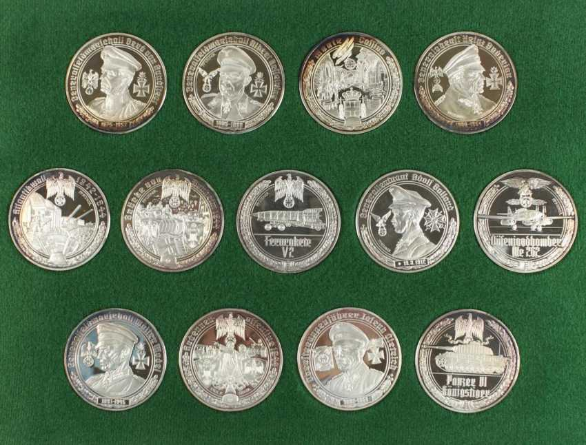 50 Medals Silver - photo 2