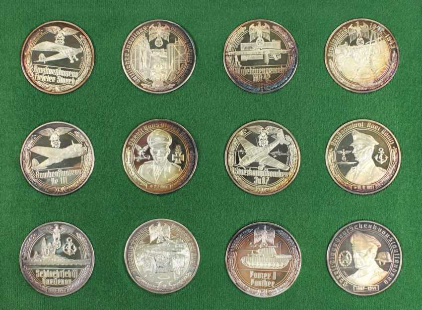 50 Medals Silver - photo 3