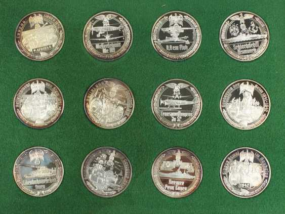 50 Medals Silver - photo 4