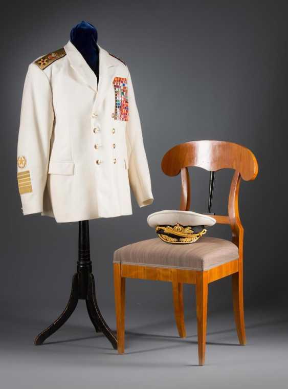 White gala jacket and visor cap - photo 1