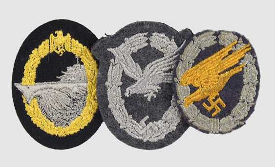 3 machine embroidered badges: - photo 1