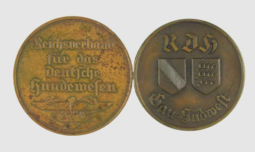 2 medals  - photo 1