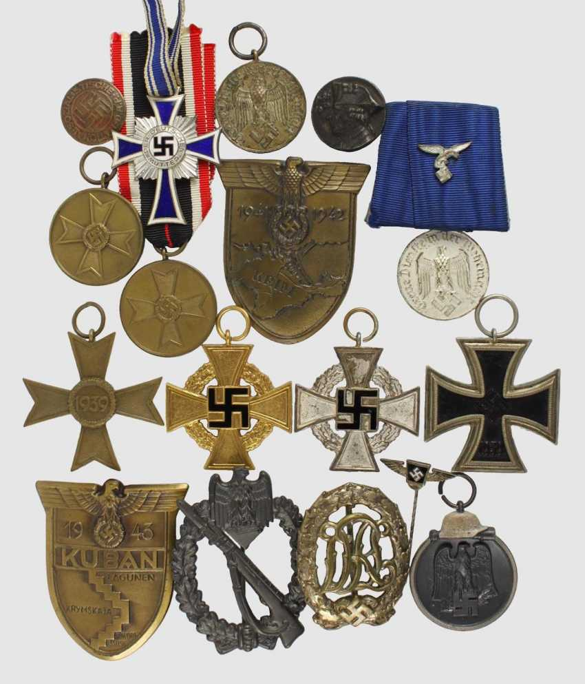 Mixed lot of 17 badge of honor,  - photo 1