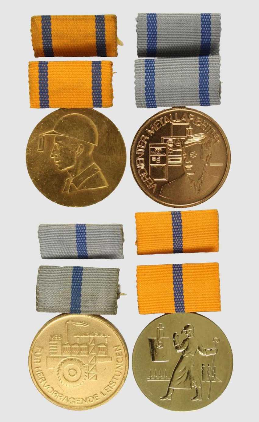 4 medals: - photo 1