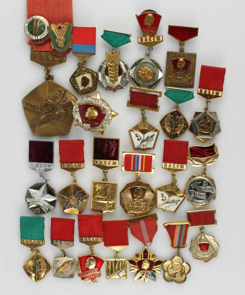 Collection of approx. 89 badges - photo 2