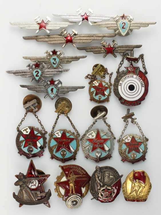 Mixed lot of 38 badges - photo 2