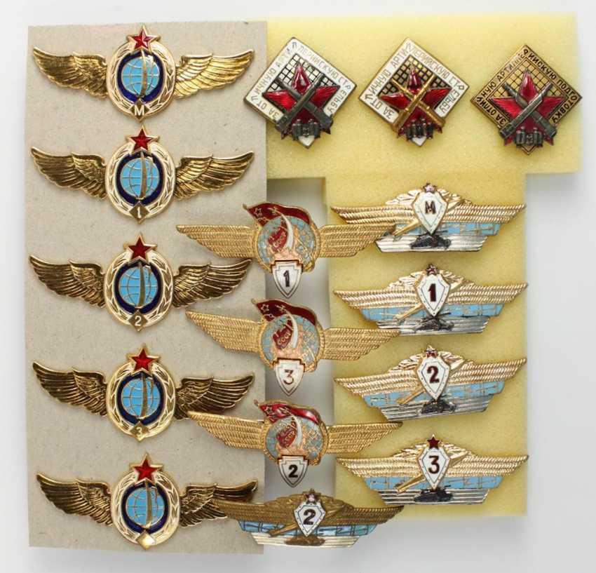 Lot of 42 badges - photo 4