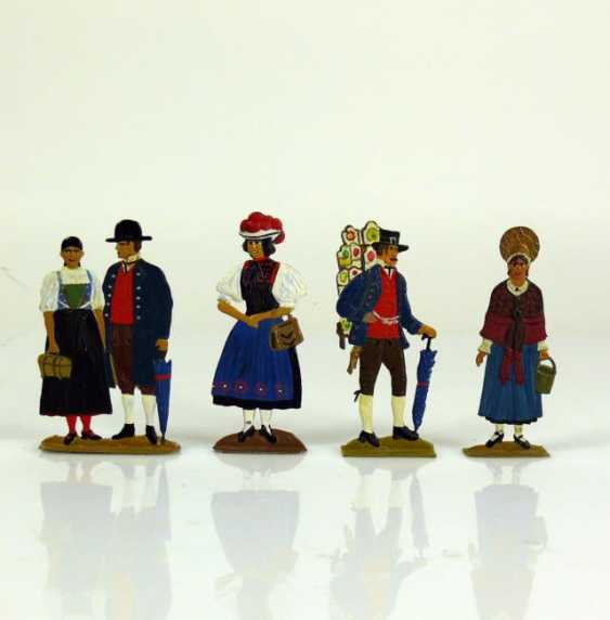 4 div. Black Forest Tin Figures - photo 1