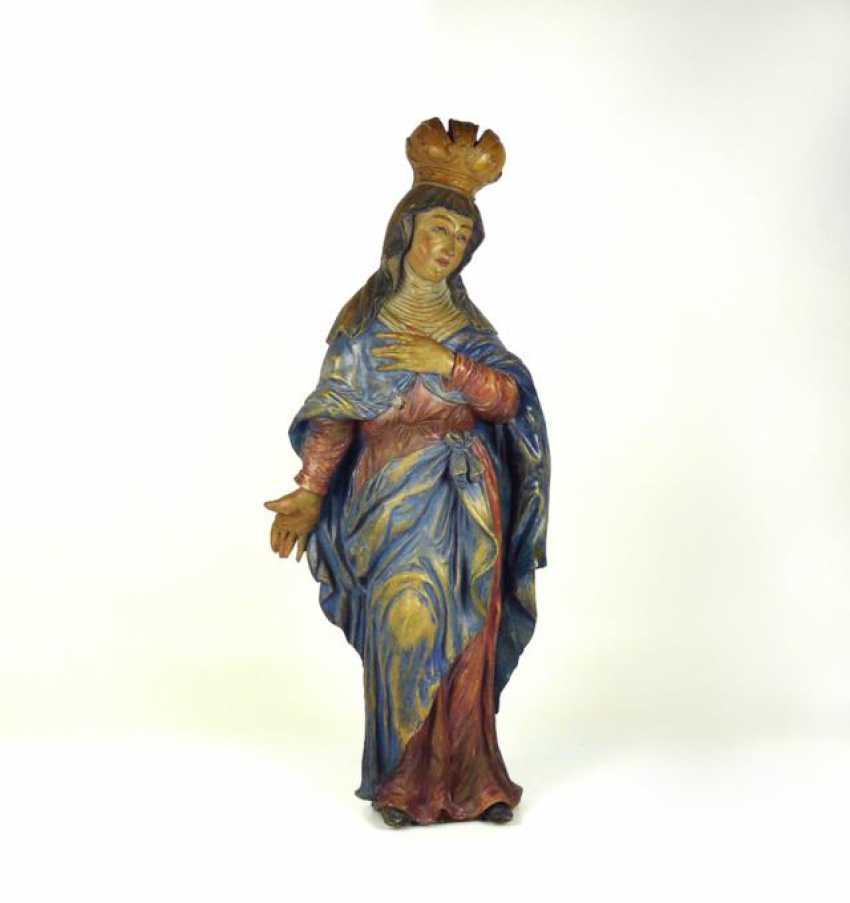 Crowned To Mary - photo 1