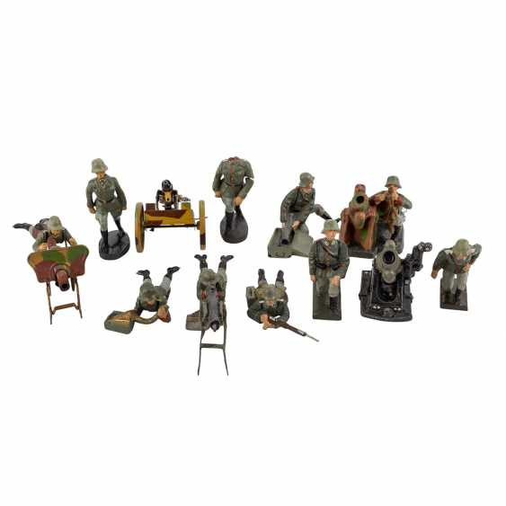 LINEOL/ELASTOLIN convolute of 29 soldiers and accessories, 2. World war, - photo 3