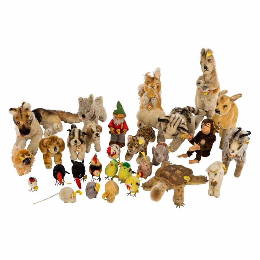 Mostly mixed lot of 29 animals & figures, STEIFF, 1950s/60s, - photo 1