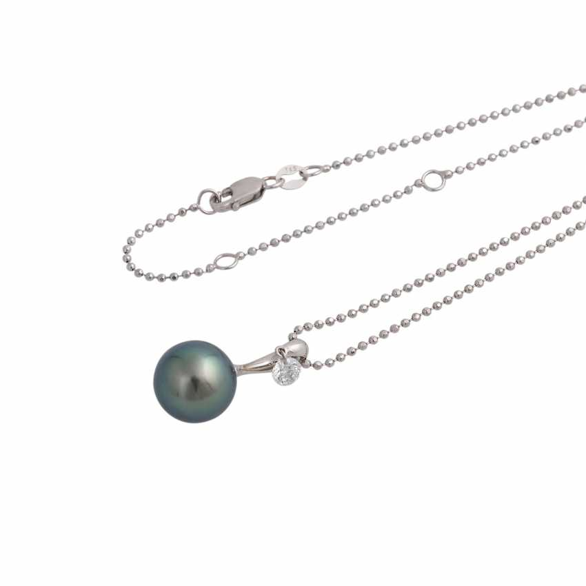 """Necklace with pendant """"Dancing Diamond"""" - photo 4"""