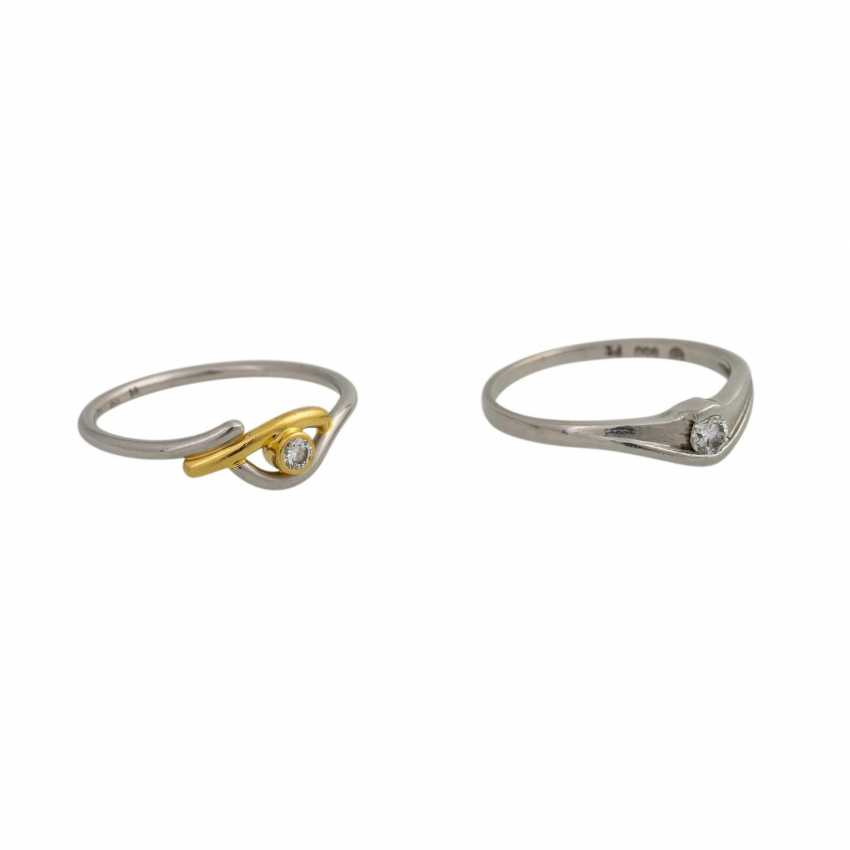 Set of 2 dainty rings with 1 diamond, - photo 2