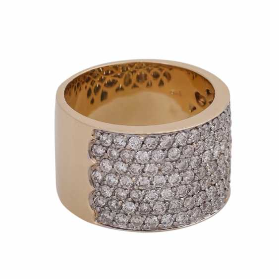 Wide Ring, look, touch side, densely with brilliant-cut diamonds, together CA. 2 ct - photo 2