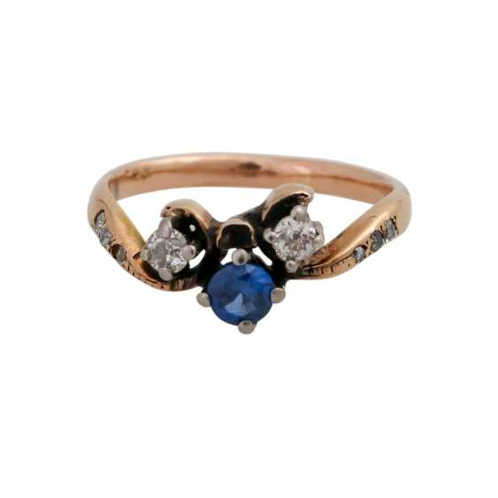 Ladies ring with 2 old European cut diamonds, together approx. 0,15 ct, 1 synth. Sapphire - photo 1