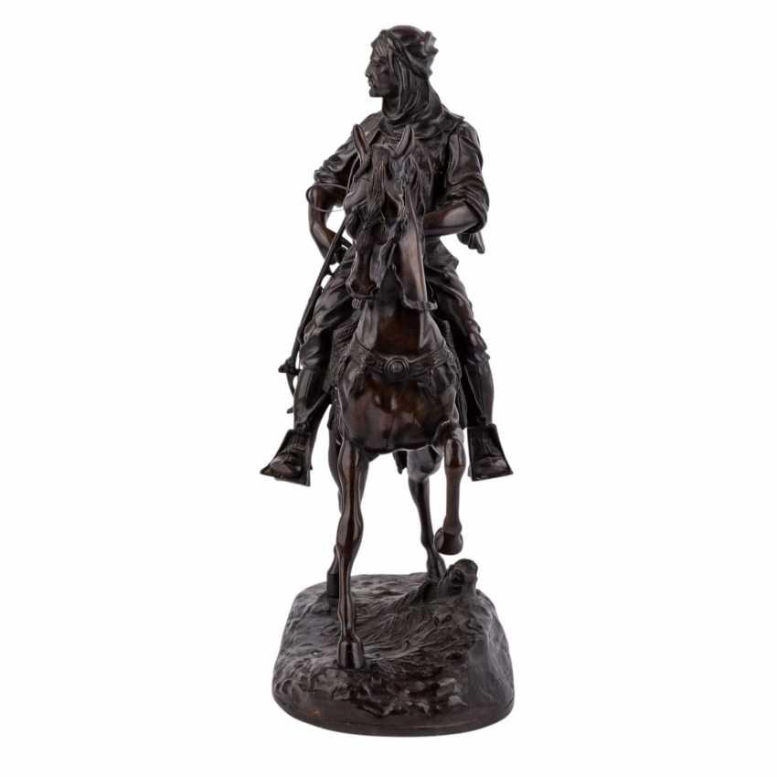 "BARYE, ALFRED (1839-1882) bronze sculpture ""Imposing equestrian bronze of a Oriental"" - photo 2"