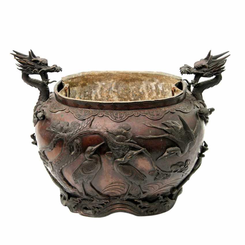 Bucket made of Bronze. CHINA, 19. Century - photo 1