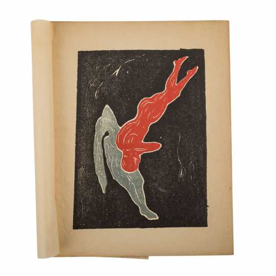 """Linde, Max, EDVARD MUNCH, with inliegendem color woodcut """"Two figures"""", - photo 2"""