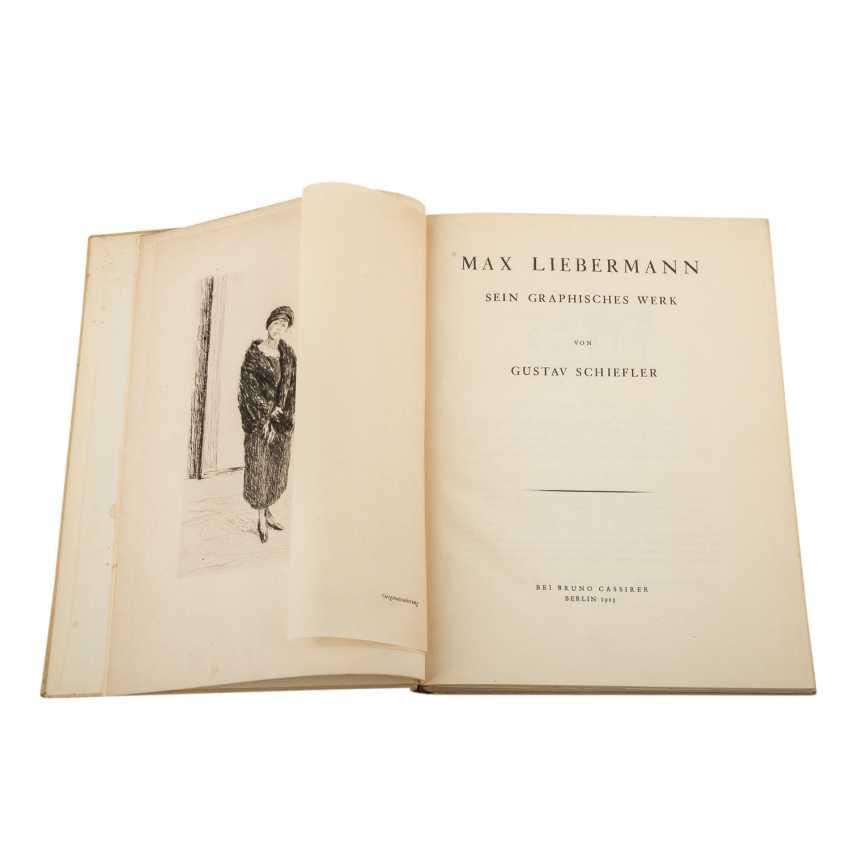 "Schiefler, Gustav Klimt, MAX LIEBERMANN, his graphic work, with an original etching of ""Young woman in fur"", - photo 3"
