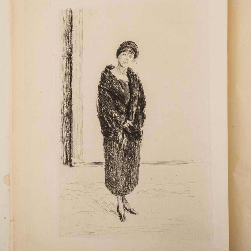 "Schiefler, Gustav Klimt, MAX LIEBERMANN, his graphic work, with an original etching of ""Young woman in fur"", - photo 1"