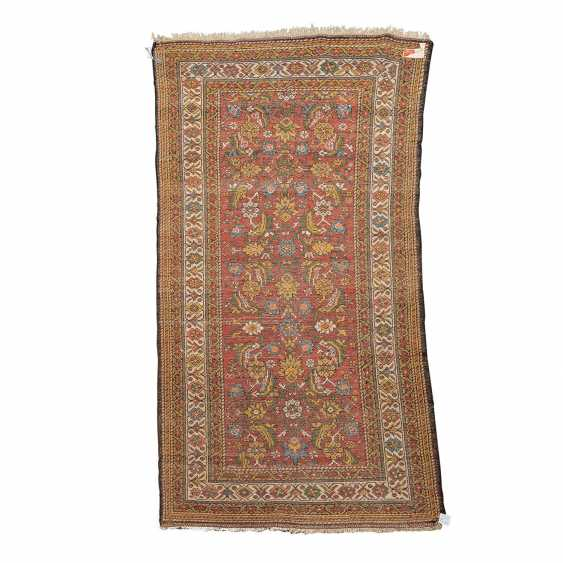 Orient carpet. MALAYER/IRAN, 20. Century, approx. 206x110 cm. - photo 2