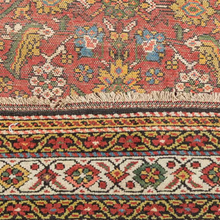 Orient carpet. MALAYER/IRAN, 20. Century, approx. 206x110 cm. - photo 3