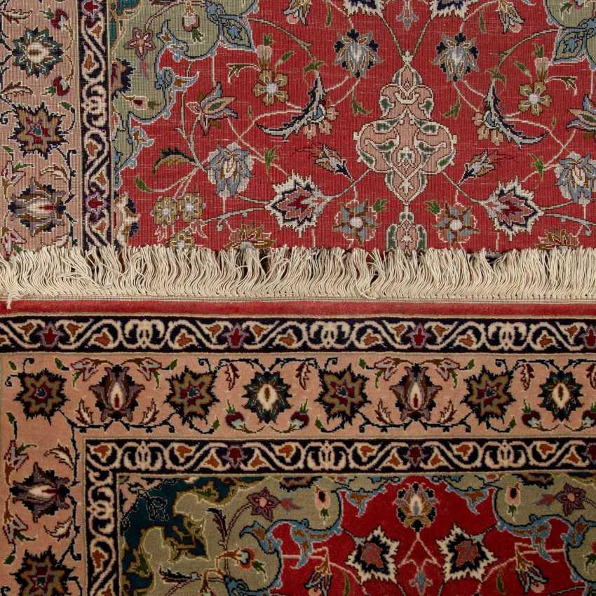 Orient carpet. PERSIA, 20. Century, approx. 144x100 cm. - photo 3