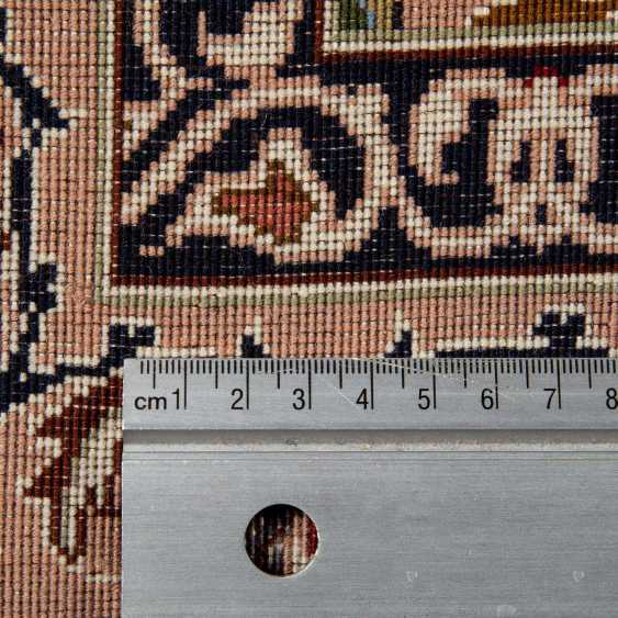 Orient carpet. PERSIA, 20. Century, approx. 144x100 cm. - photo 4