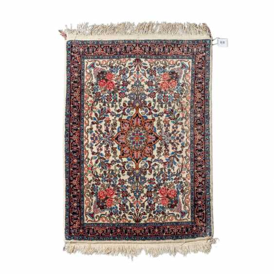 Orient carpet. IRAN, 20. Century, approx. 99x74 cm. - photo 1
