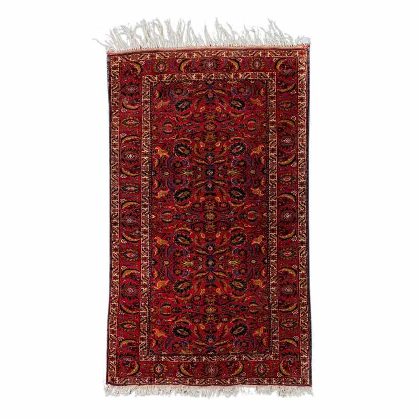 Orient carpet. GHASEMABAD/IRAN, 20. Century, approx. 184x108 cm. - photo 1