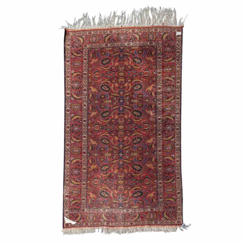 Orient carpet. GHASEMABAD/IRAN, 20. Century, approx. 184x108 cm. - photo 2