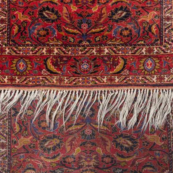 Orient carpet. GHASEMABAD/IRAN, 20. Century, approx. 184x108 cm. - photo 3