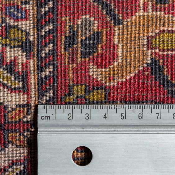 Orient carpet. GHASEMABAD/IRAN, 20. Century, approx. 184x108 cm. - photo 4