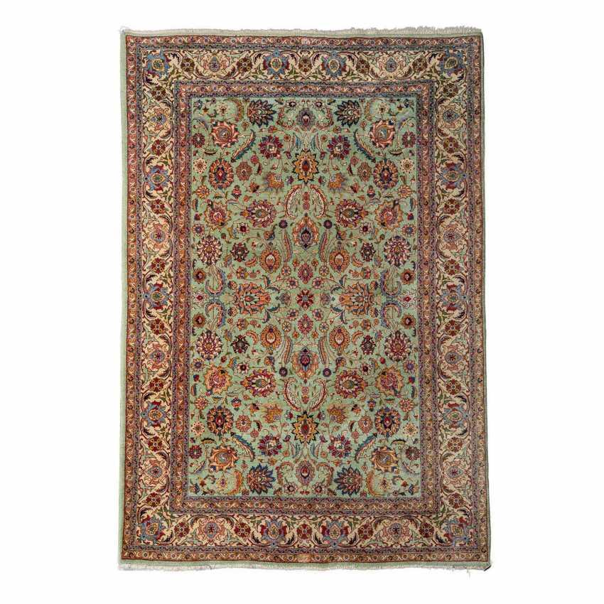 Orient carpet. IRAN, 20. Century, approx. 273x190 cm. - photo 1