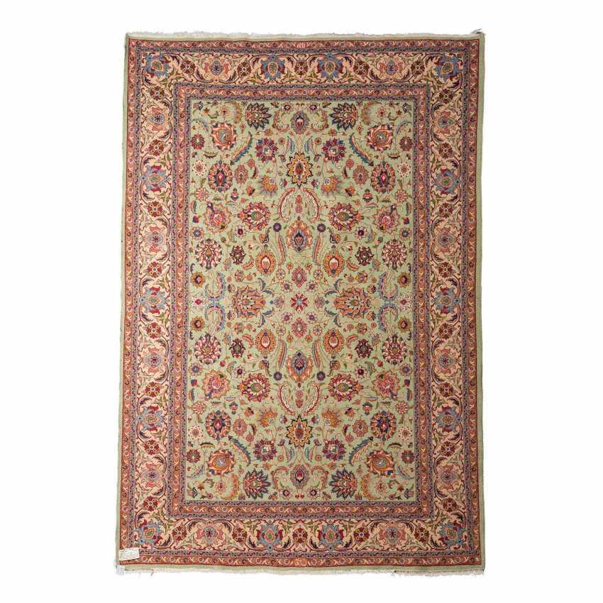 Orient carpet. IRAN, 20. Century, approx. 273x190 cm. - photo 2