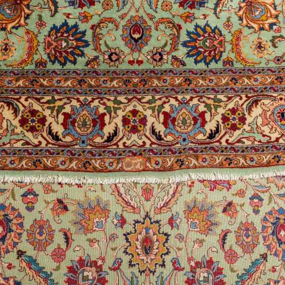 Orient carpet. IRAN, 20. Century, approx. 273x190 cm. - photo 3