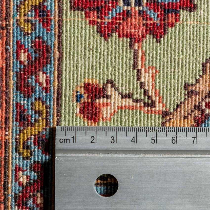 Orient carpet. IRAN, 20. Century, approx. 273x190 cm. - photo 4