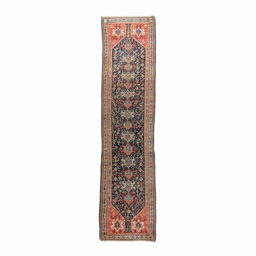 Orient carpet. GASHGAI/PERSIA, around 1900, approx. 492x111 cm. - photo 1