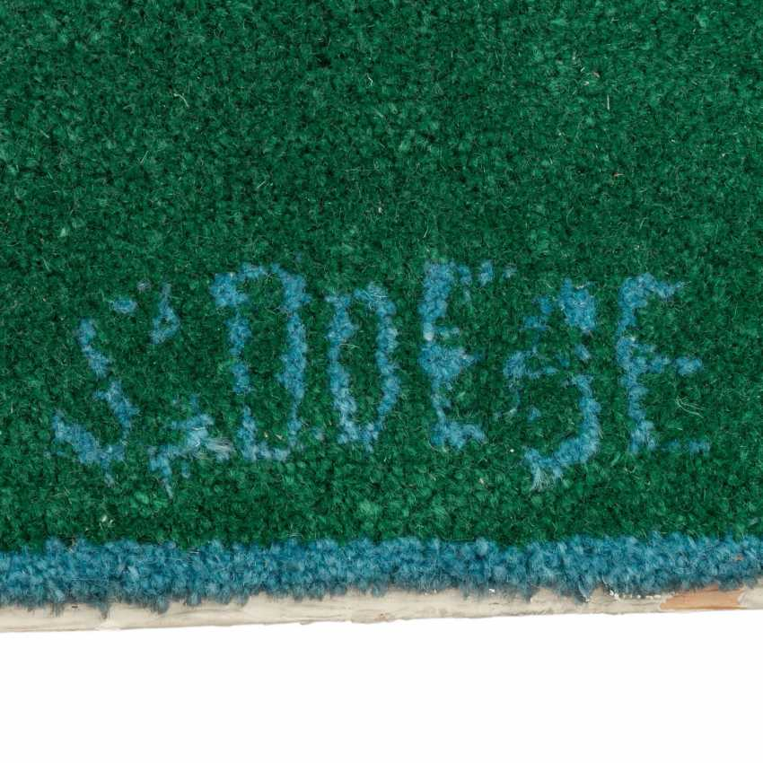 Carpet on the floor. The Schwabing artists collection, CA. 66x149 cm. - photo 2