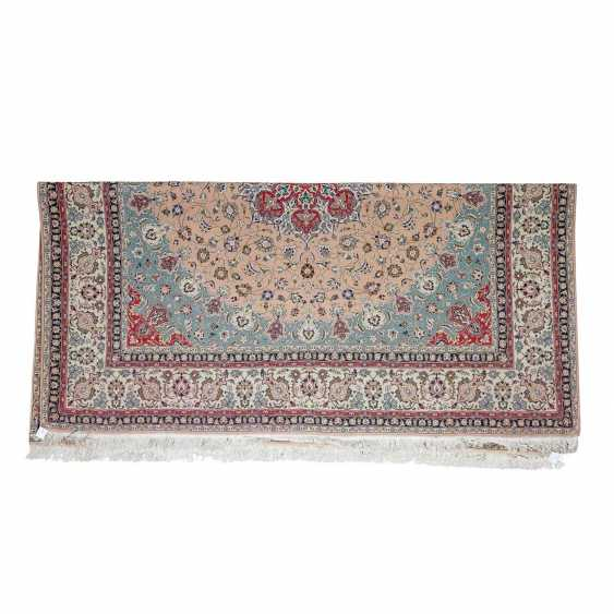 Orient carpet. TÄBRIZ/NORTH-WEST-IRAN, 20. Century. 254x251 cm. - photo 2