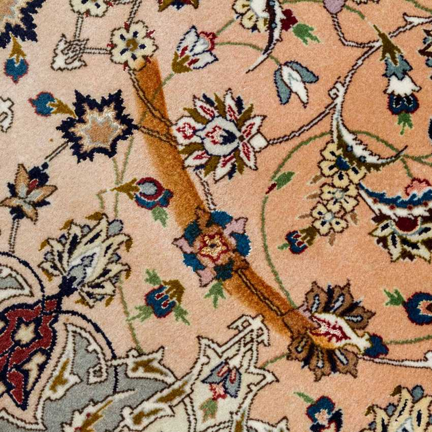 Orient carpet. TÄBRIZ/NORTH-WEST-IRAN, 20. Century. 254x251 cm. - photo 5