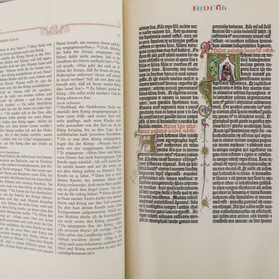 BIBLE OF THE OLD AND NEW TESTAMENT GLORY; THE GUTENBERG BIBLE - photo 2