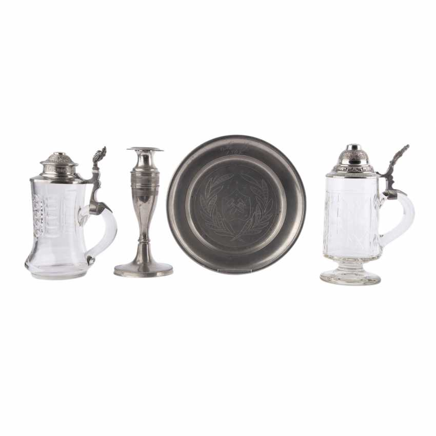 2 glass jars with tin lid cap, with pewter plates and candlesticks, - photo 1