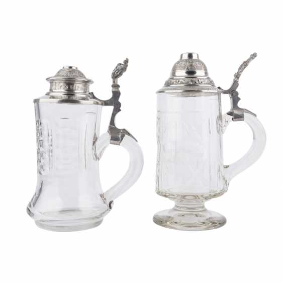 2 glass jars with tin lid cap, with pewter plates and candlesticks, - photo 5