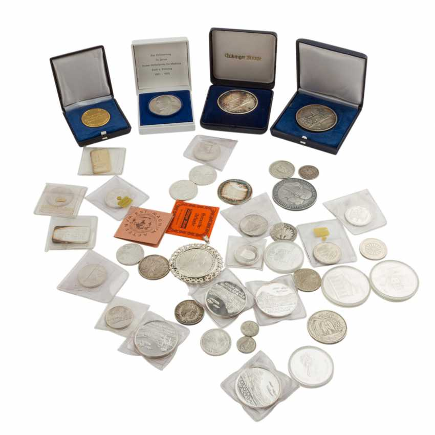 Colorful mixed lot of GOLD and SILVER with - photo 1