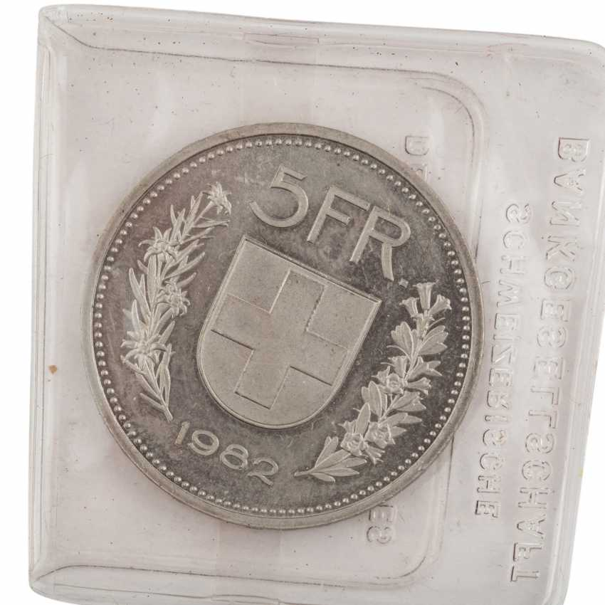 """Silver commemorative coins of the theme of """"Olympic games""""- - photo 5"""