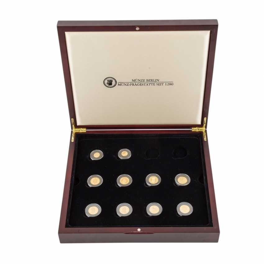 GOLD - collection of 8 medals (585/1000) and - photo 1